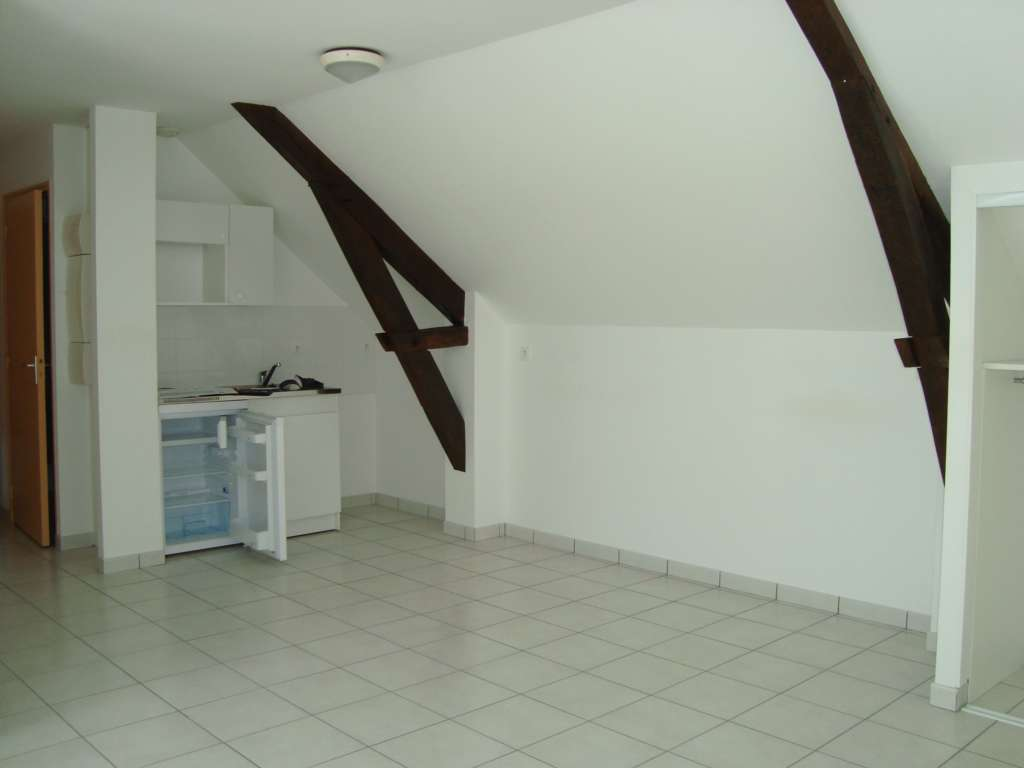 ERNEE CENTRE VILLE APPARTEMENT T2