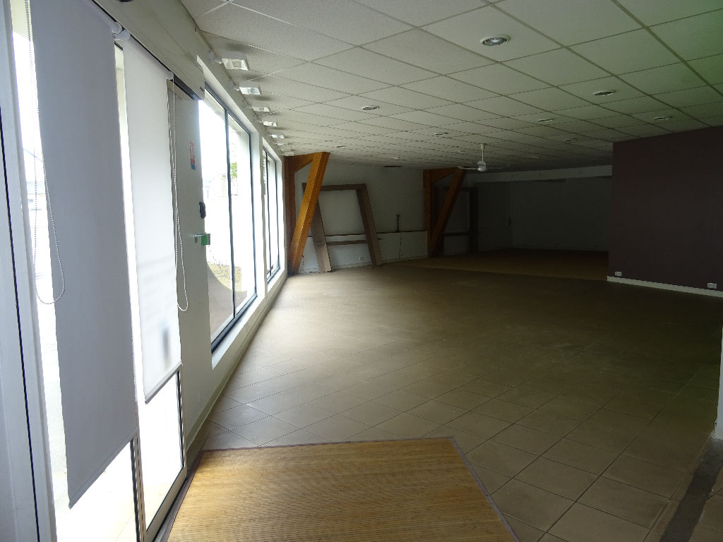 Local commercial Segré 300 m²