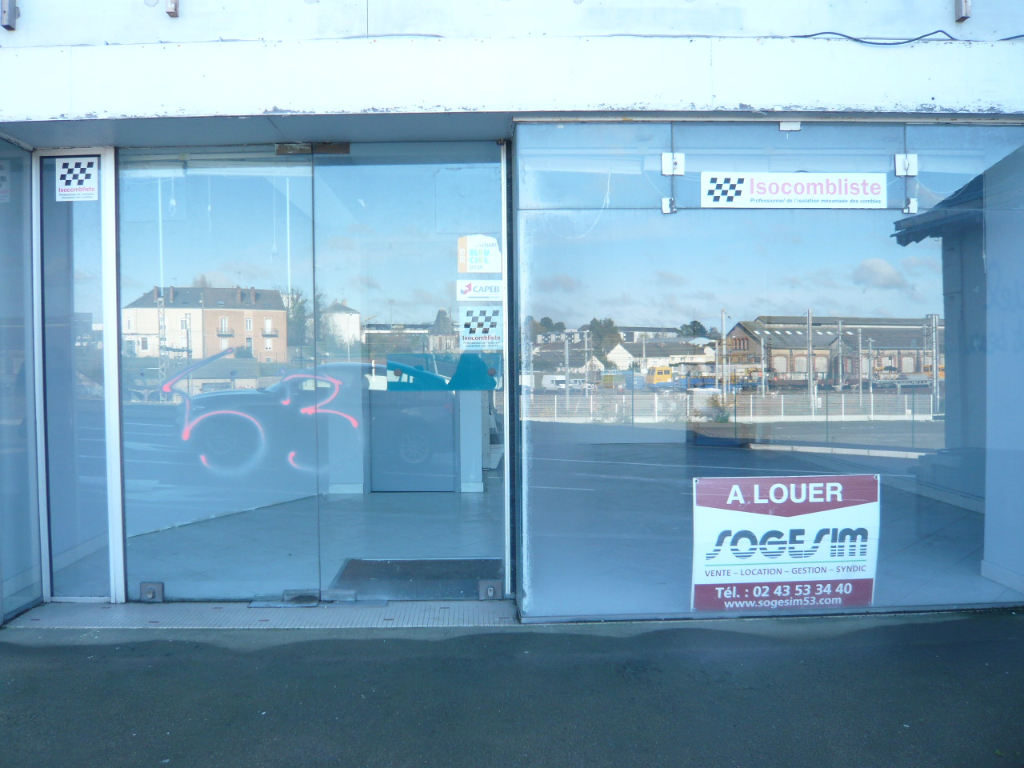 LAVAL, a louer local commercial  78 m2